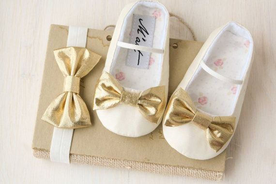 Hey, I found this really awesome Etsy listing at https://www.etsy.com/listing/230332187/gold-baby-shoes-ivory-baby-girl-shoes