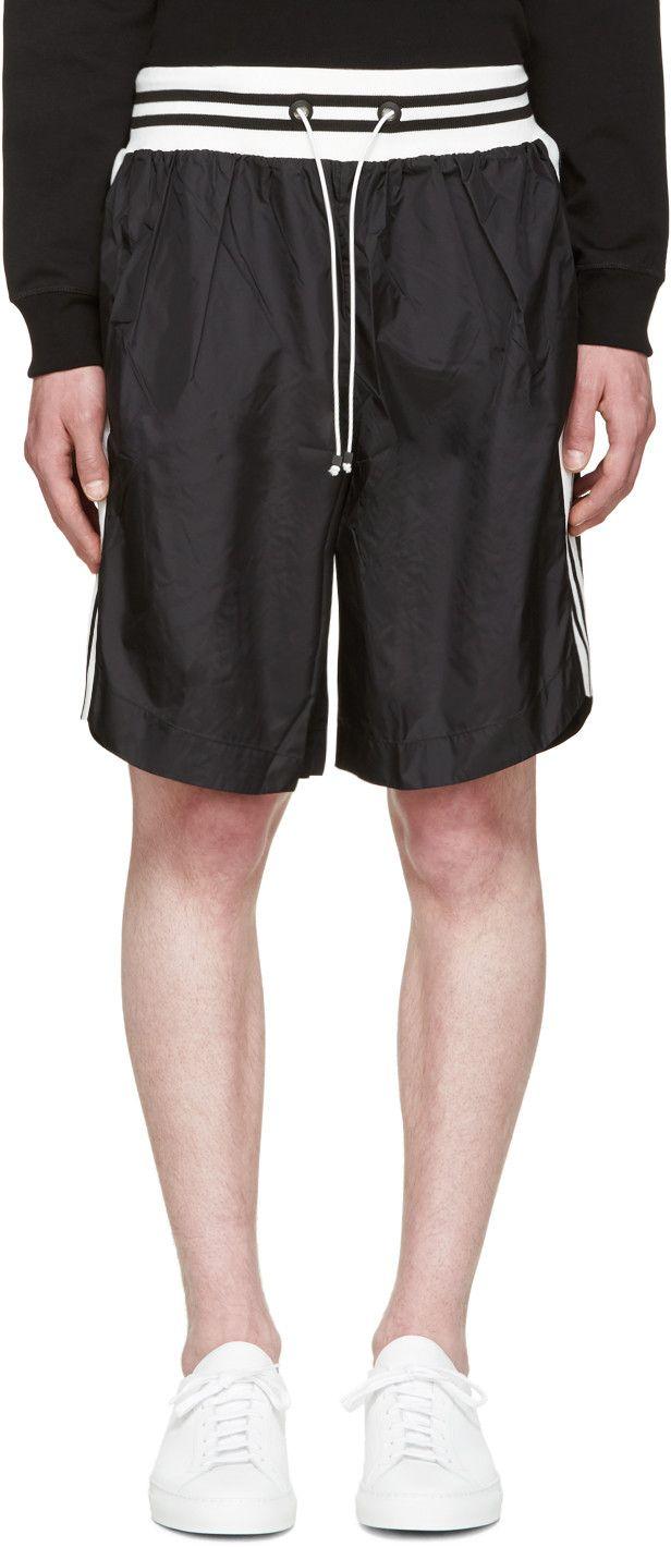 GIULIANO FUJIWARA BLACK STRIPED BASKET SHORTS. #giulianofujiwara #cloth #shorts