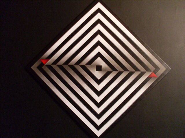 Colombian Art, Op Art, Nice Photos, Me Fui, Zentangle, Illusions, Lightning  Bolt, Timber Flooring, Art Rooms