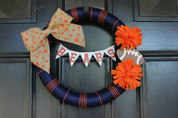 This 14 inch wreath is great for football season! Perfect for Bears fans, but it can be customized for your favorite team--just send me a message