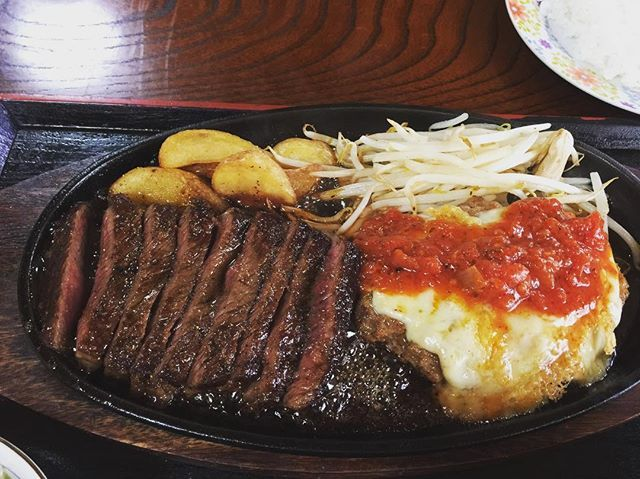 #肉 #ステーキ #ハンバーグ #ポテト #チーズ #トマト #トマトソース #油 #やばい #高カロリー #美味しい #幸せ #デブ #デブ活 #ダイエット #好きなのばっか #レストラン #カフェ #カフェ巡り #ビール #乾杯 #ランチ #ディナー #旅行 #ショッピング