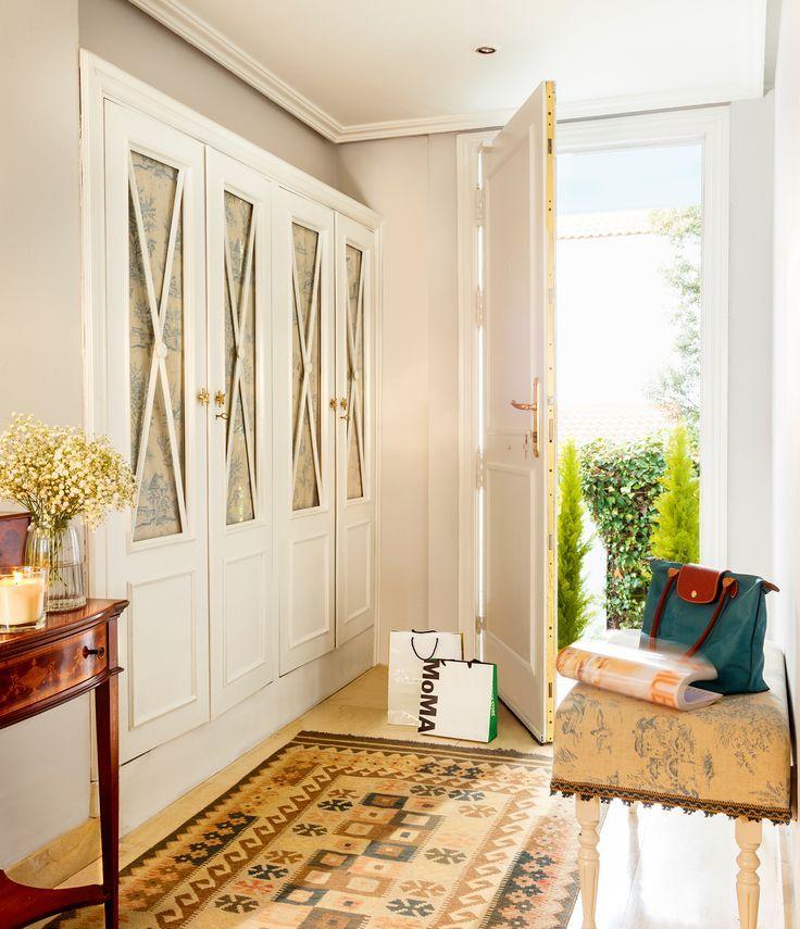 Recibidor clásico con armario empotrado blanco_ 00425471 - #decoracion #homedecor #mueble #homedecor #decoration #decoración #interiores