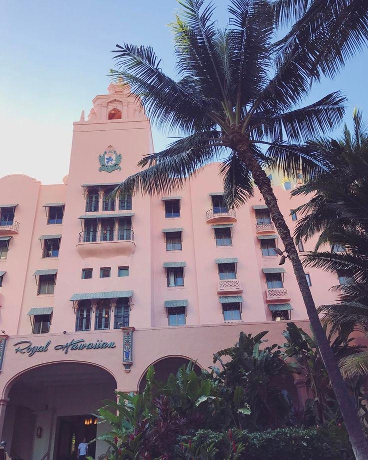 Omg pink hotel!💕