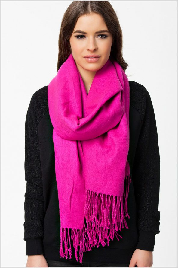 #hotpink #scarf #pinkscarf #nelly #fashion #outfit #myzine