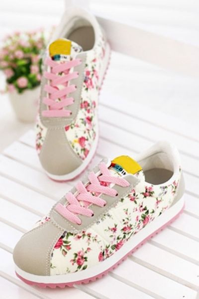 Street-chic Floral Trainer - OASAP.com