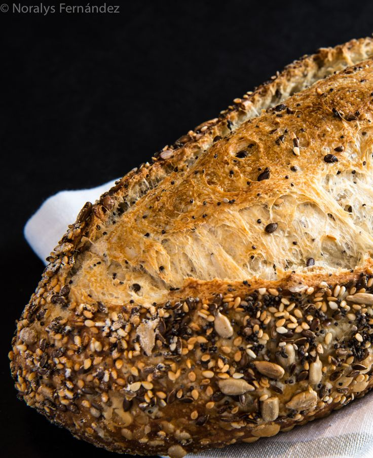 Multicereal bread, seeds