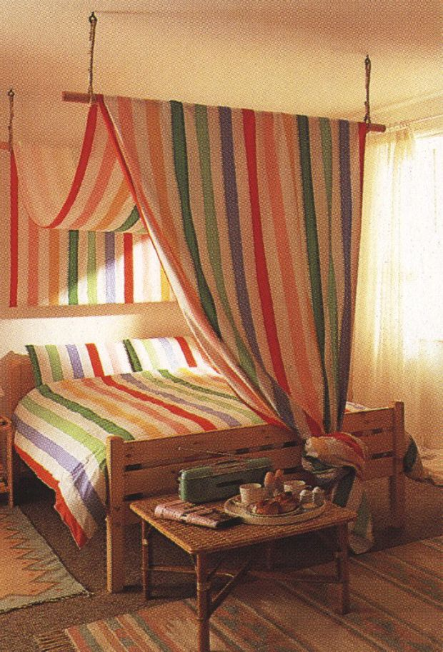 Best 25 canopy bed curtains ideas on pinterest canopies bed curtains and bed canopy diy - Ideas for canopy bed curtains ...