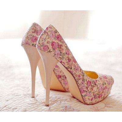 Pretty Floral Print Heels