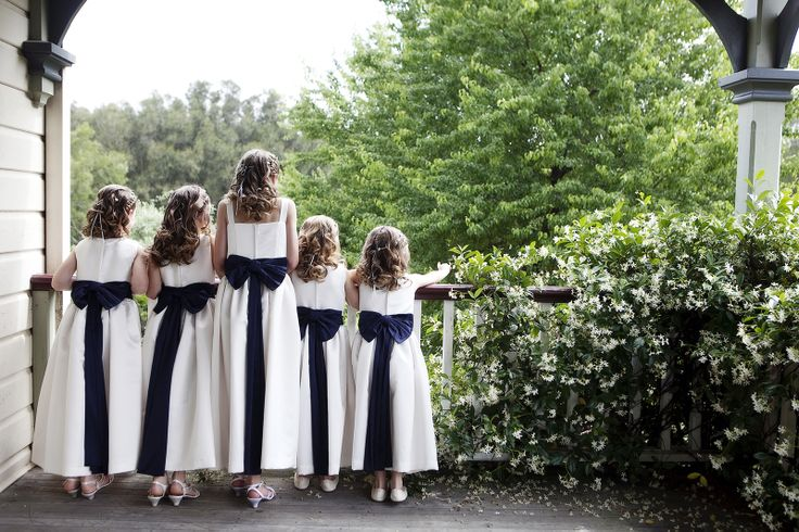 flower girls with blue bows - natharvey@aapt.net.au