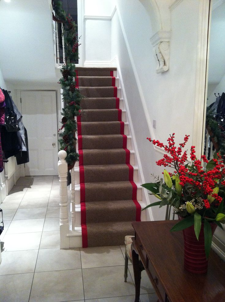 Stair Runner I Fitted Wool Berber With Red Crucial Trading