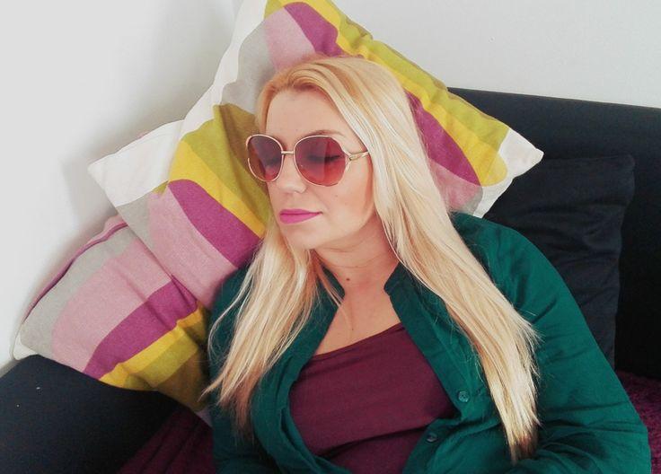 Óculos de sol em casa...
