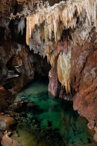 Huelva.La gruta de las Maravillas.Las únicas cristalinas