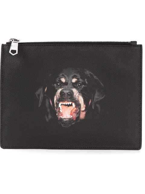 Comprar Givenchy rottweiler print clutch en Vitkac from the world's best independent boutiques at farfetch.com. Shop 300 boutiques at one address.