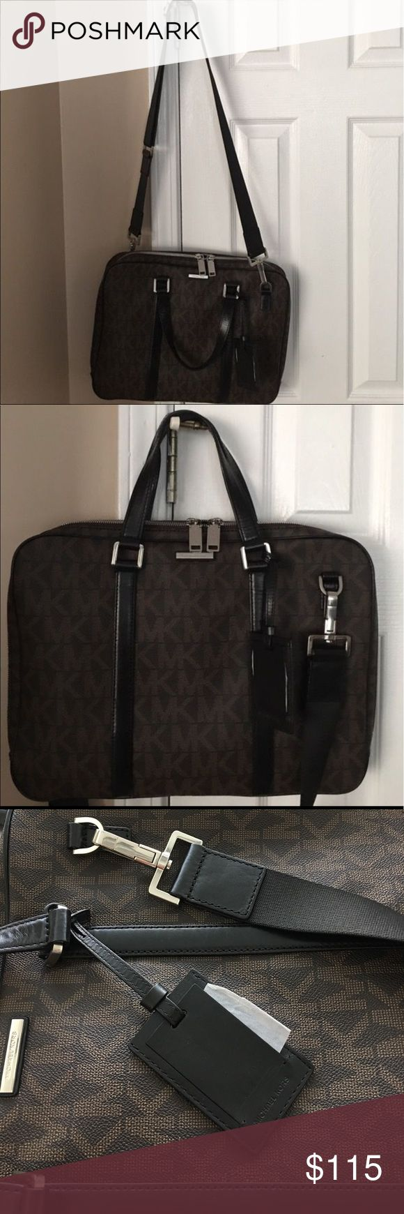"""Black Friday deal Authentic M Kors 💻 Bag 💼 16""""W X 12""""L leather laptop.  No trades price is firm Michael Kors Bags"""