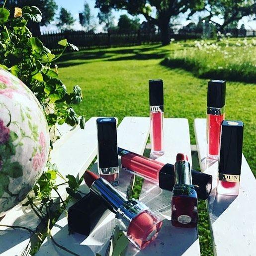 Vårdande och färgrika läppstift och läppglans i sommarens bästa färger ��☀️�� Idag är även sista dagen att posta sin bästa sommarbild med IDUN Minerals produkter och hashtaga #idunsommar för en chans att vinna en necessär fylld med makeup �� . . . #idunsommar #idunminerals #mineralmakeup #crueltyfree #vegan #lipstick #lipgloss �� @mizzmadeup http://ameritrustshield.com/ipost/1554994900670674064/?code=BWUc5-aBPSQ