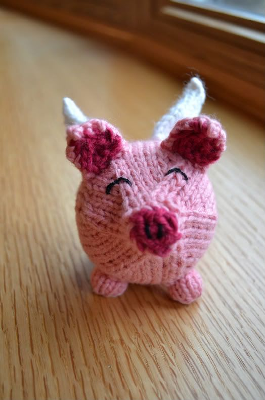 Angelic Pig by spudandchloe: Free pattern! Pig Plushie Knitting spudandchloe - Heather,