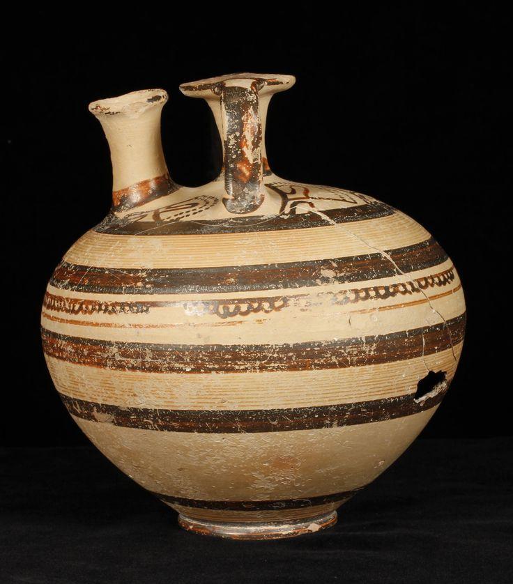 AUTORE: ignoto NOME: anfora a staffa micenea DATAZIONE: 1200 a.C. circa MATERIALE e TECNICA: ceramica dipinta, proveniente da Micene LUOGO DI CONSERVAZIONE: Walters Art MuseuM, Baltimora