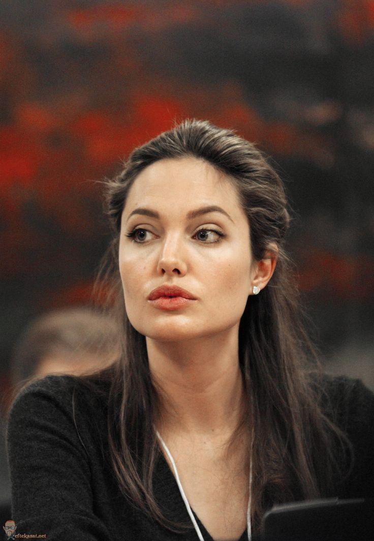 Angelina Jolie's natural makeup look
