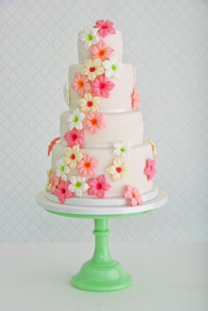 The prettiest wedding cakes   Plan Your Perfect Wedding   The UK's best monthly wedding magazine