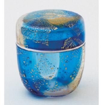 Japanese lacquered tea box or caddy (Usucha-ki or natsume), gold and blue summer decoration, for holding the powdered tea used in tea ceremony, lacquered wood, Japan