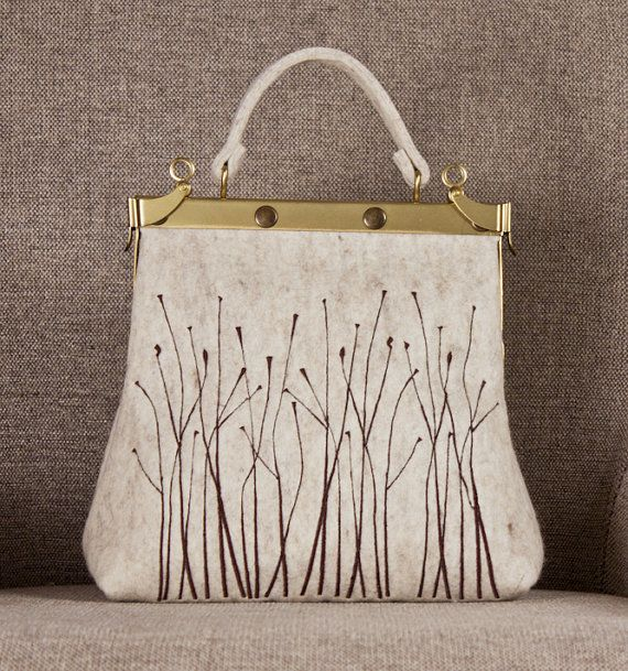 Bag with doctor purse frame  wool felt embroidered by unlievre