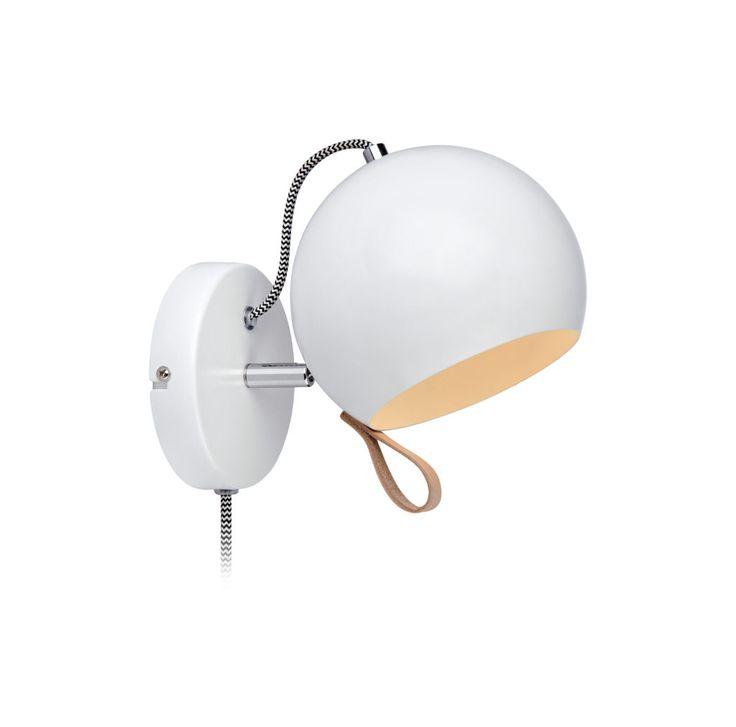 Ball vägglampa, detaljer i läder. #läder #leather #markslöjd #vägglampa #lamp #interior #interiör #inspiration