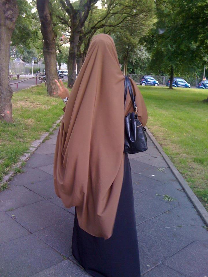 hijab and jilbab syar'i