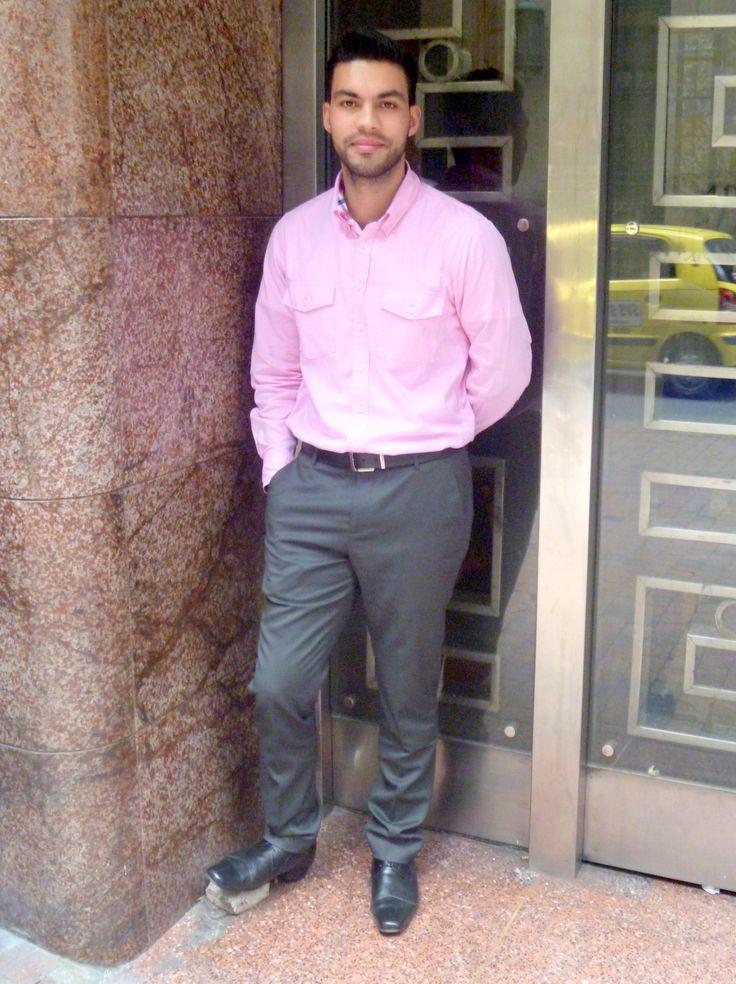 ☛Paleta de color: Colores Calidos... ☛Rosado: Dulzura, sentimientos, amistad... ☛Ropa: Camiseta, pantalon de paño... ☛Detalles:Correa y zapatos en cuero.