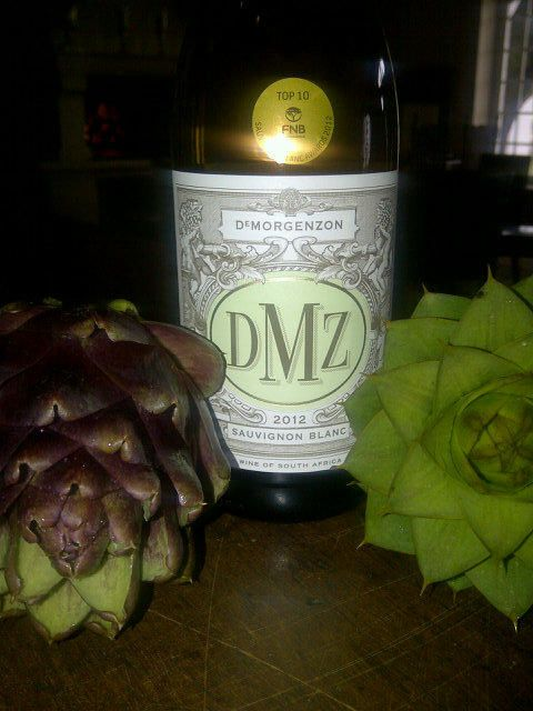 It's Wine time... @DMZwine Top 10 Sauvignon Blanc, burst of tropical fruits yet mineral strains of elegance.. pic.twitter.com/36Ie5862