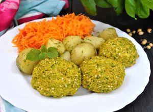 Kotlety z kaszy jaglanej i brokuła | Przepisy Kulinarne