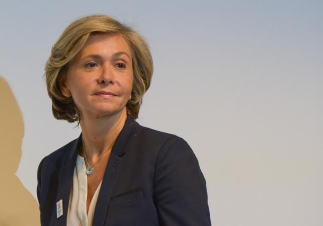 """À l'instar de Nicolas Sarkozy et du """"Kärcher"""", en 2005, Valérie Pécresse répondait à la détresse d'un habitant désabusé. À la suite d'une enquête du Parisien sur ce quartier sensible de Paris où """"des femmes [sont] victimes de harcèlement dans les rues"""", la présidente du conseil régional d'Île-de-France se rend dans le quartier de Chapelle-Pajol et rétorque, à un homme qui veut """"loger ailleurs"""" les migrants, que le quartier """"va être nettoyé"""", comme le rapporte Le Bondy Blog."""