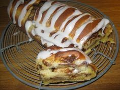 Længe - som i rigtigt længe - har jeg tænkt på at ville bage et gammeldags kanelbrød. Og da Femina for et par uger siden flashede sådan ét, ...