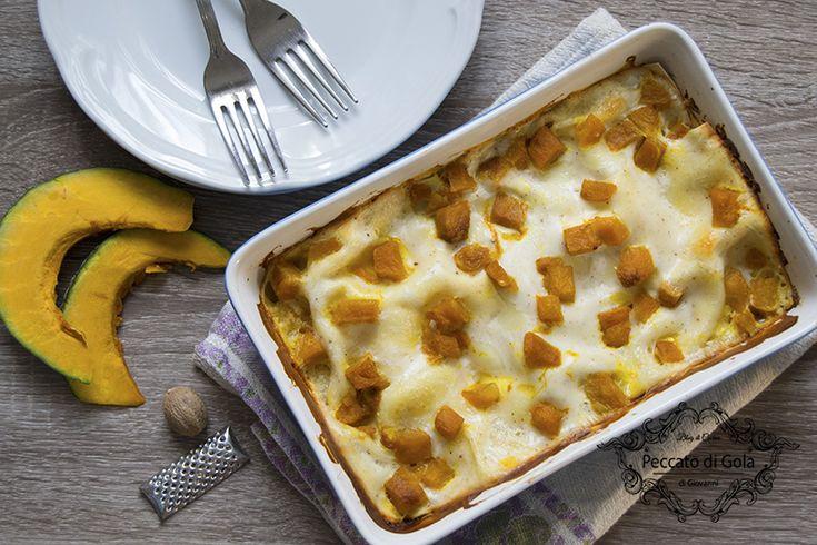 Veramente deliziose queste lasagne con la zucca, con il loro sapore gradevolmente dolce ed insaporite dalla gustosa besciamella al parmigiano: da provare!