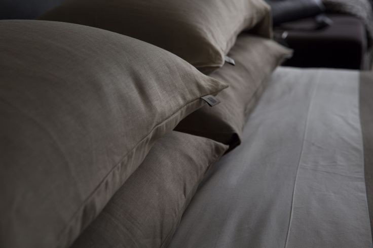 Discover Hotel Particulier @bailey_international coming soon. www.baileystudio.com.au  Art Direction by @hoynedesign  Photography by @lyntoncrabb  Wardrobe by @swenskaustralia Hair/Make-up by @kbhairmakeup Model @reneekitchen18  #linen #premium #luxurylinen #bedding #luxurybedding #designer #bailey #hotelparticulier  #interiordesign #cashmere #woolthrow #luxurythrow #luxuryblanket #bedroomdecor #bedrooms #theroycehotel #reneekitchen #fashion #style #stylish #beautiful #pretty #girl #design…