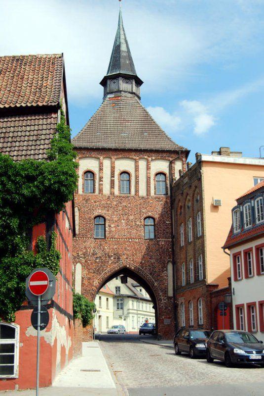 Das Kütertor in Stralsund ist als Teil der Mittelalterlichen Stadtbefestigung erhalten geblieben, 06.07.08