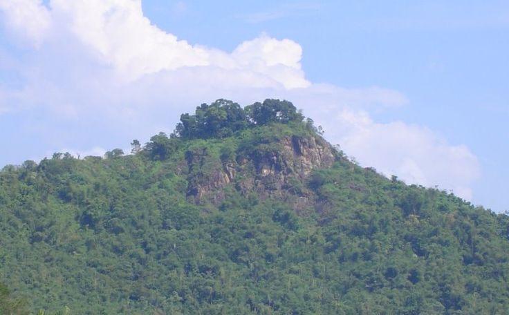 Kacapi Big Wall, holly place 4 climb