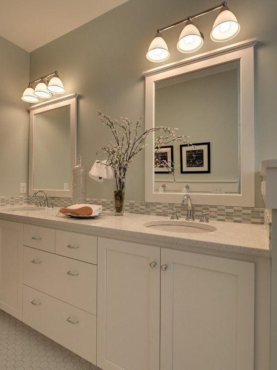 Blue Beige Bathroom Walls: Pin By Leslie Young On A Blue & White Home