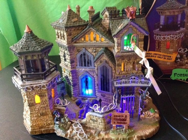LEMAX 2007 Limited Edition Spooky Town Forsaken Souls Prison Lighted Building