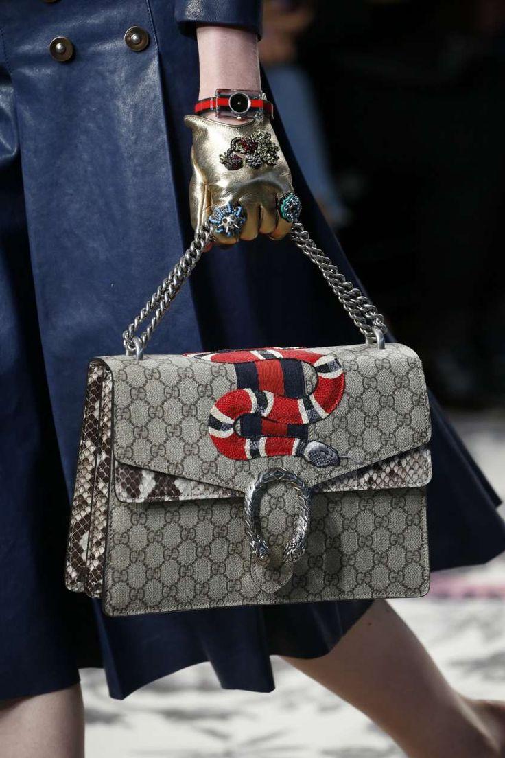 Collezione borse Gucci Primavera Estate 2016 - Borsa Gucci stampa logata con serpente