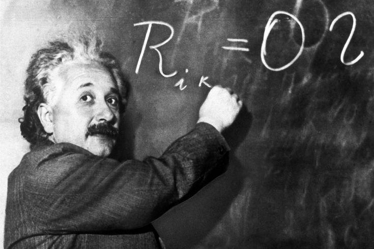 O físico Albert Einstein (1879-1955), professor visitante da Universidade de Princeton,  ministra aula em 14 de janeiro de 1931.  Estados Unidos, 14 de janeiro de 1931.