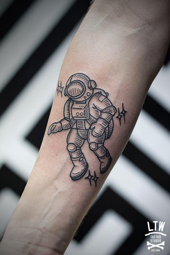 Astronauta por Cisco                                                                                                                                                      Más