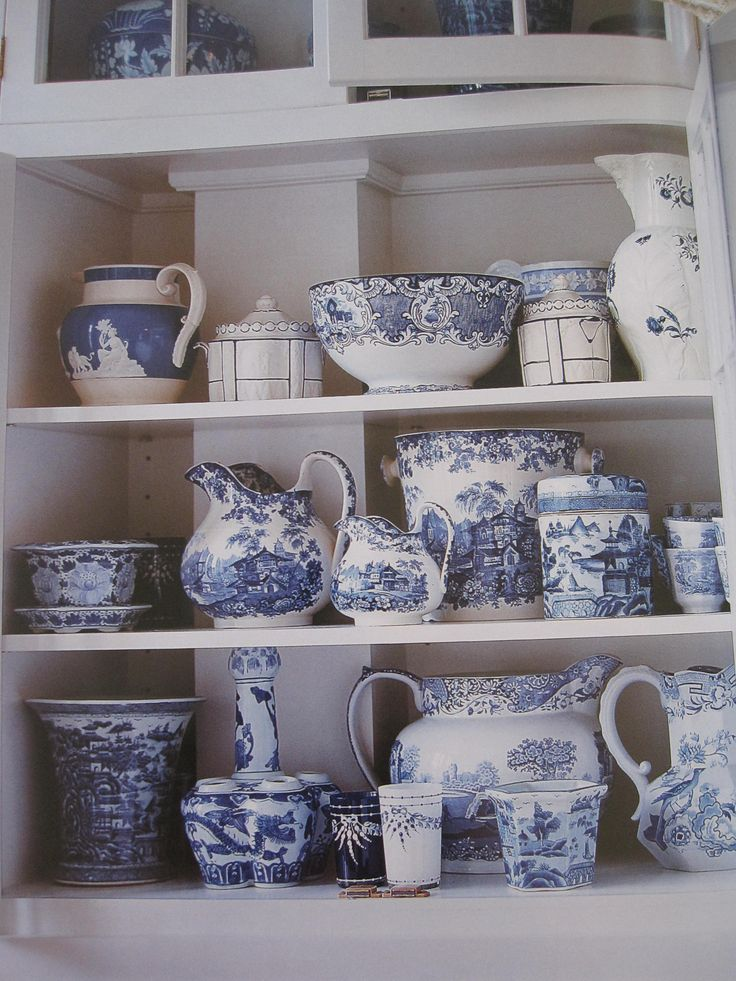you can't have too many blue & white dishes :)