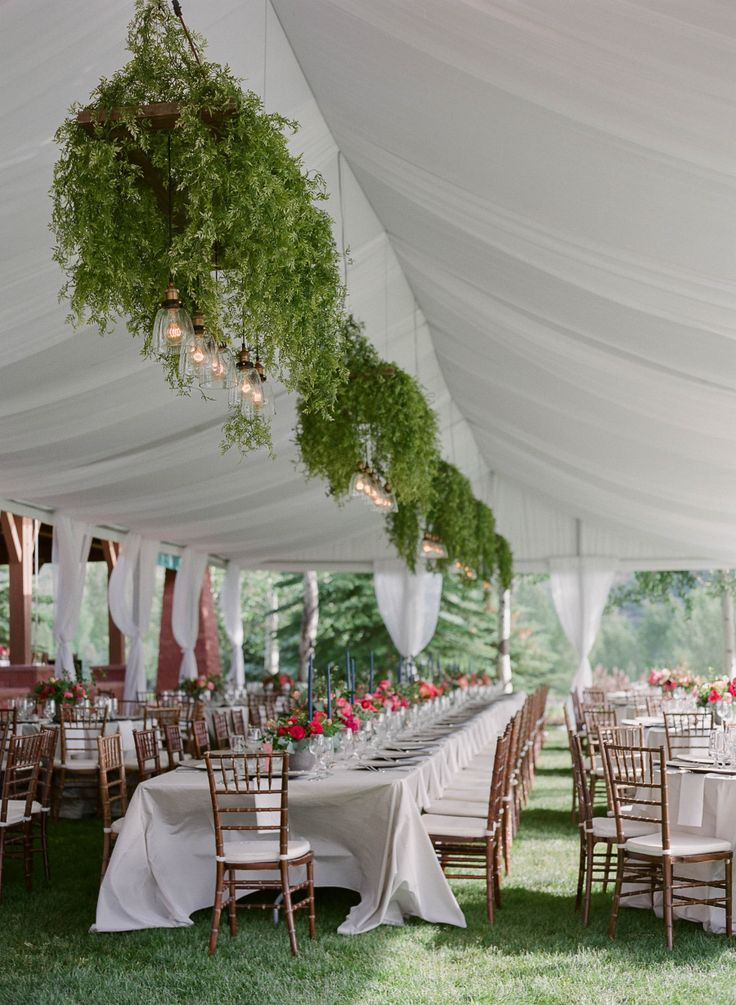 tented Aspen wedding with bold and colorful florals | Photography: Laura Murray Photography