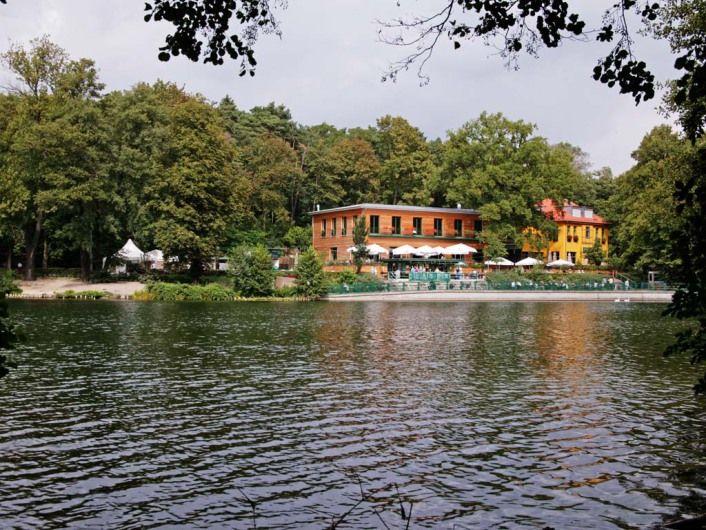 BERLIN - Biergarten und Fischerhütte am Schlachtensee