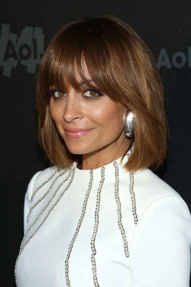 31 cortes de cabello de celebridades que podrían tentarte a cortarte el flequillo