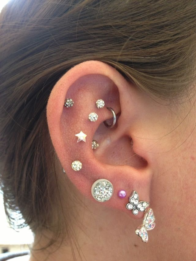 Incredible! Multiple ear piercings including lobes, cartilage, conch, etc. credit to amazed1313.tumblr.com