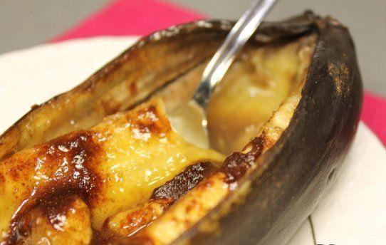 Запеченные бананы с медом и орешками