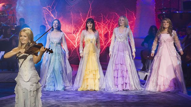 celtic women The international irish music phenomenon, celtic woman, is renowned for singing inspirational melodies and heartwarming songs that stir fans of all ages and cultures.