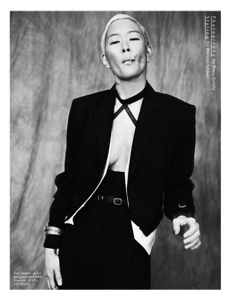 Jenny Shimizu. Jenny Lynn Shimizu (born June 16, 1967) is an American model and actress. She was born in San Jose, California.  She is known for her androgynous power, especially her work for Calvin Klein.