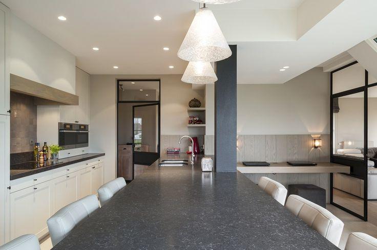 Strak landelijke keuken en badkamer portfolio expro for Interieur architect
